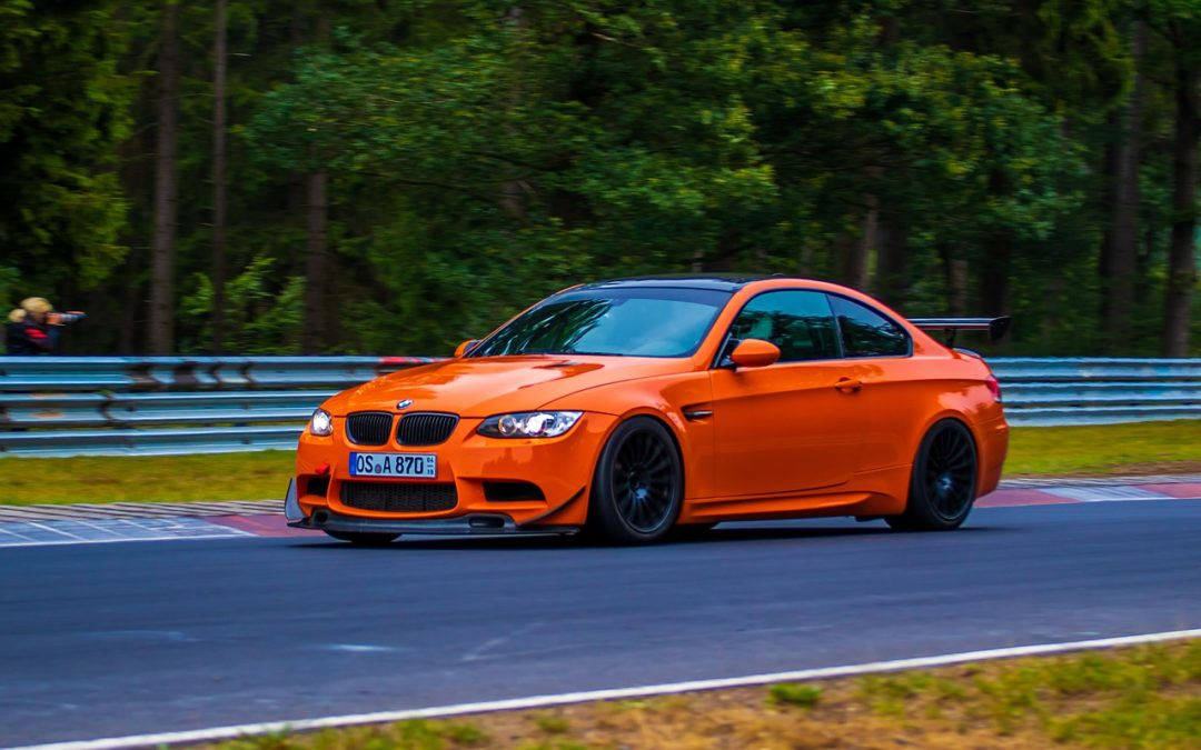 Udforsk verden med stil i en BMW M3